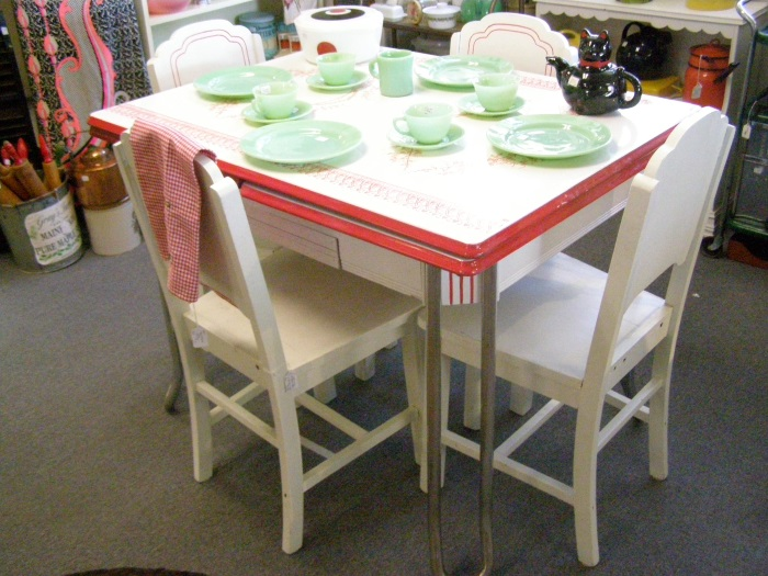 1940\'s Signed Vintage Enamel Top Table by Mochi with Four Art Deco Chairs